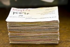 Cărți de vizită pe hârtie manuală